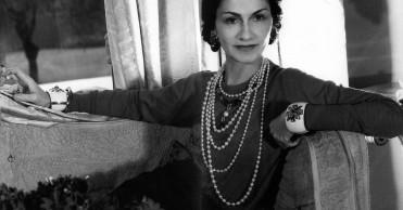 Coco Chanel - Královna módy XX století  d83b024022