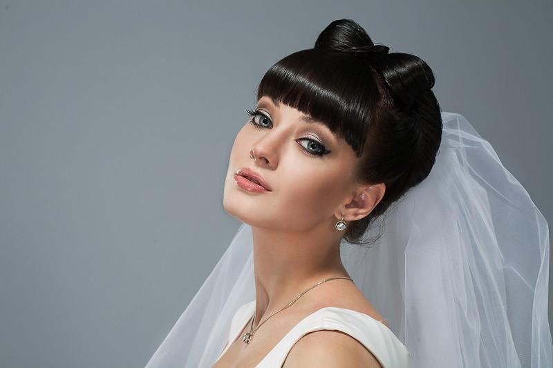 Свадебные прически на короткие волосы с прямой челкой