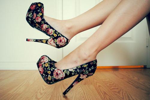 Туфлі на широкому каблуці більш зручні при носінні a9a5776f051ba