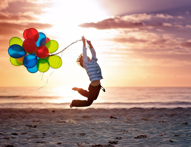 Воздушный шар и ребенок 17