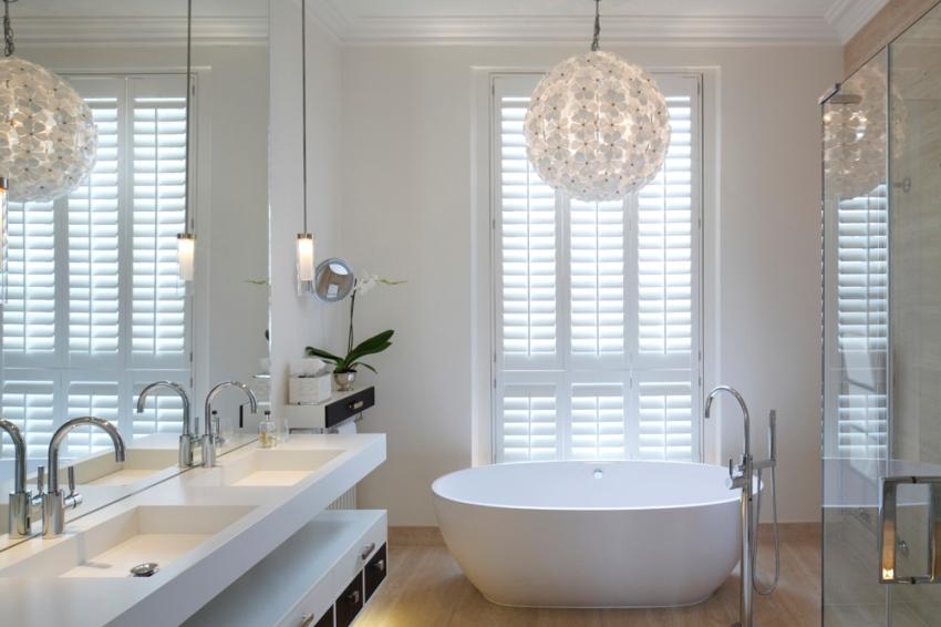 come scegliere un lampadario per il bagno | i modelli claudel - Luce In Bagno Come Sceglierla
