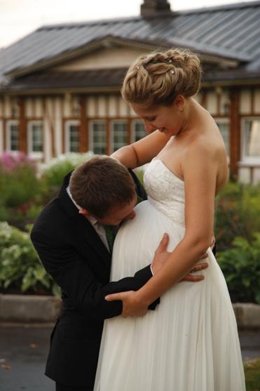 Невеста на свадьбе сказала что беременна 76
