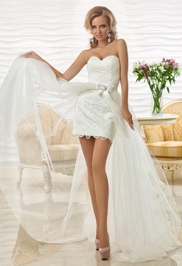 Приталенное короткое свадебное платье