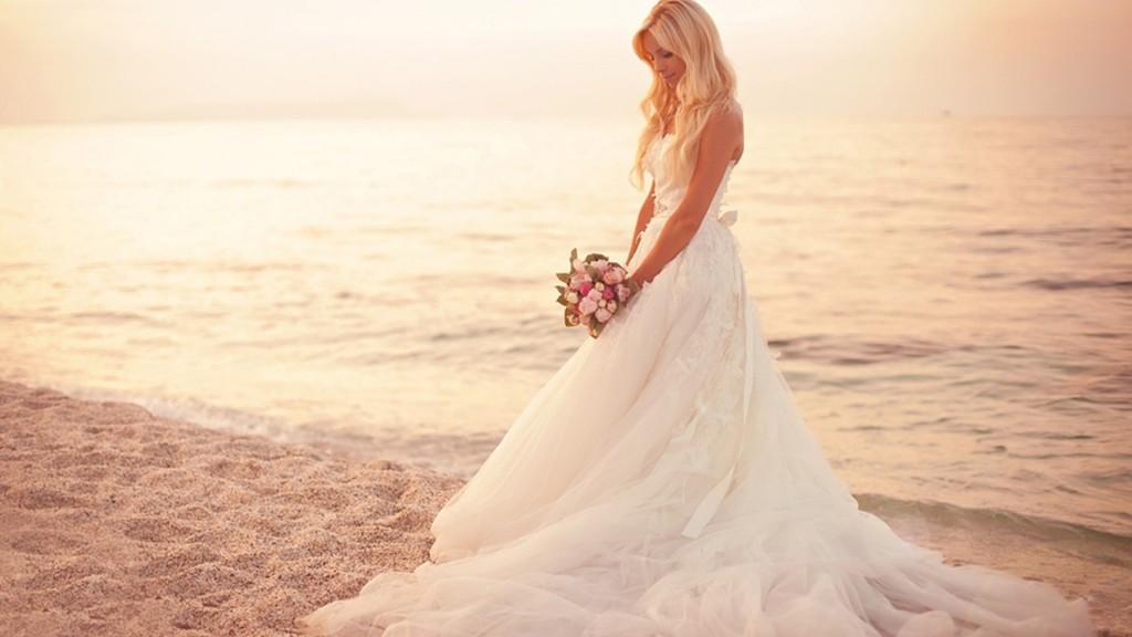 beautiful-wedding-dress-hd-1080p-wallpapers-download-1024x576